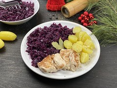 Healthy Red Cabbage with Potato and Chicken