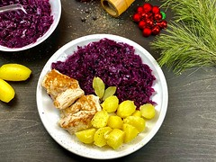 Red Cabbage with Potato and Chicken