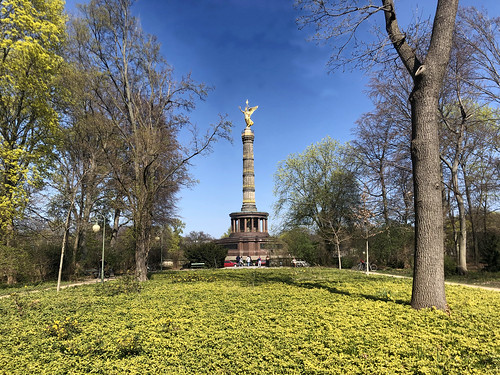 Tiergarten in Berlin with the Victory Column in the background