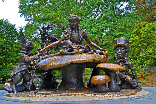 Alice in Wonderland Sculpture near Conservatory Water Lake Central Park Manhattan New York City NY P00522 DSC_0243