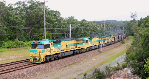 CEY006 + CEY007 & CEY005 LOADED COAL TO VALES POINT POWER STATION - FASSIFERN 16th Apr 2020