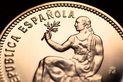 Silver coin-MacroMondays-Moneda de plata