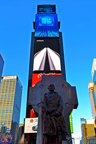 Father Francis Duffy Statue in Times Square Manhattan New York City NY P00525 DSC_9621