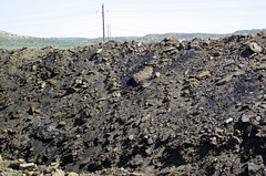 Gilsonite & waste material piled up next to Cowboy Dike (north of Bonanza, Utah, USA) 6
