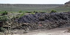 Gilsonite & waste material piled up next to Cowboy Dike (north of Bonanza, Utah, USA) 3