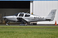 Cirrus SR22-GTS G3 'N342CP' - Photo of Chevry-Cossigny
