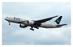 PK/PIA Pakistan Itnl Airlines B777 AP-BGL
