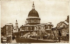 1943 Postcard StPauls Cathedral 10a