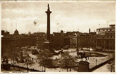 1943 Postcard Trafalgar Square 15a