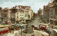 1943 Postcard Piccadilly Circus 18a