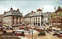 1943 Postcard Piccadilly Circus 16a