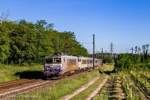 18 mai 2020 BB 7284-7300 Train 4657 Bordeaux-St-Jean -> Marseill-St-Charles Podensac (33)