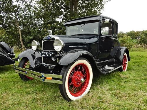Ford Model A Tudor Sedan 1929*  (N4034)