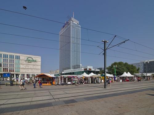 2018-08-09 DE Berlin-Mitte, Alexanderplatz, Galeria Kaufhof, Park Inn