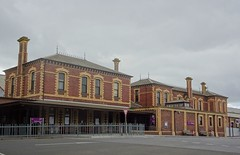 Geelong. The two main buildings of the Geelong Railway Station. It was built in 1877. The railway from Melbourne first reached Geelong in 1854.The 1875 tunnel extended the line to Colac.