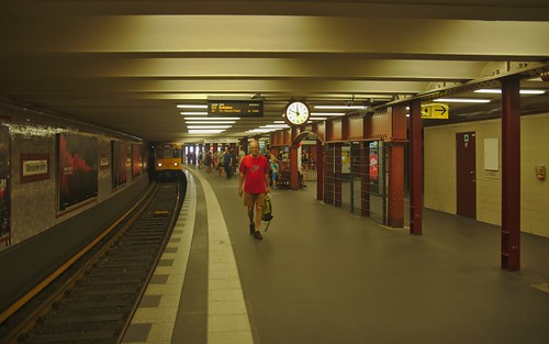 2018-08-09 DE Berlin-Mitte, U2 Alexanderplatz, A3L 92 598 Linie U2