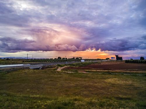 Atardecer lluvioso sobre La Mancha