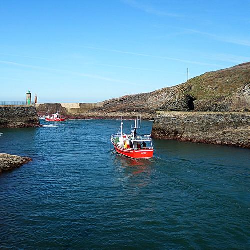 Saliendo del puerto de Viavélez - Leaving the port of Viavélez
