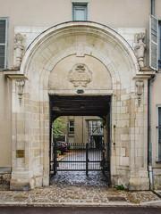 Grand portail cocher de l'Hôtel d'Argenteuil