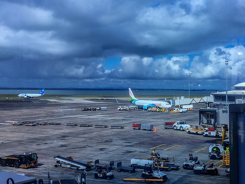 Auckland Airport - I see our plane