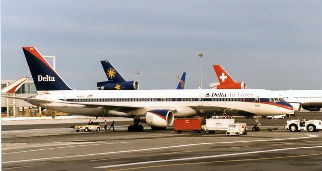 N692DL - Boeing 757-232 - Delta Air Lines  JFK 300699