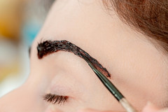 Henna eyebrow tinting, care for your appearance