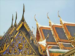 Toitures du Wat Phra Kaeo (Bangkok, Thaïlande)