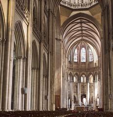 Catedral de Coutances - Photo of Guéhébert