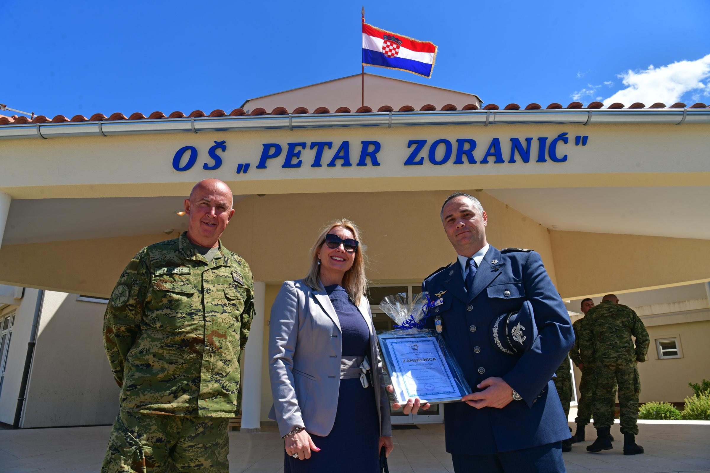 Prezentacija radova Hrvatske vojske u Osnovnoj školi u Ninu