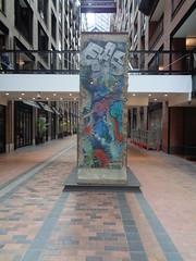 Artiste Inconnu, Segment du mur de Berlin.