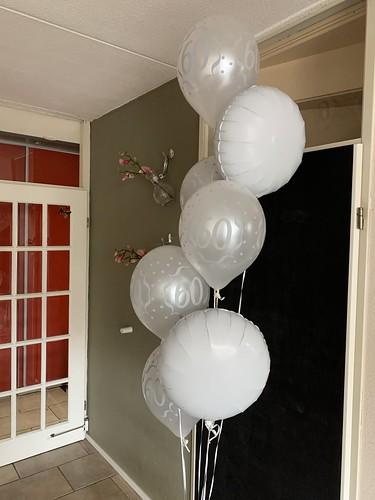 Ballonboeket Verjaardag 60 Jaar Zilver Wit