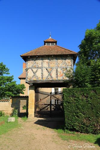 42 Pouilly-ss-Charlieu - Tigny Pigeonnier porche Château XVI