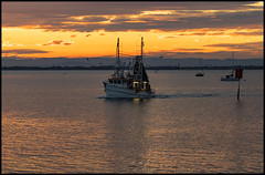 Sunset Cloud and Trawler Deception Bay 27 May 2020-2=