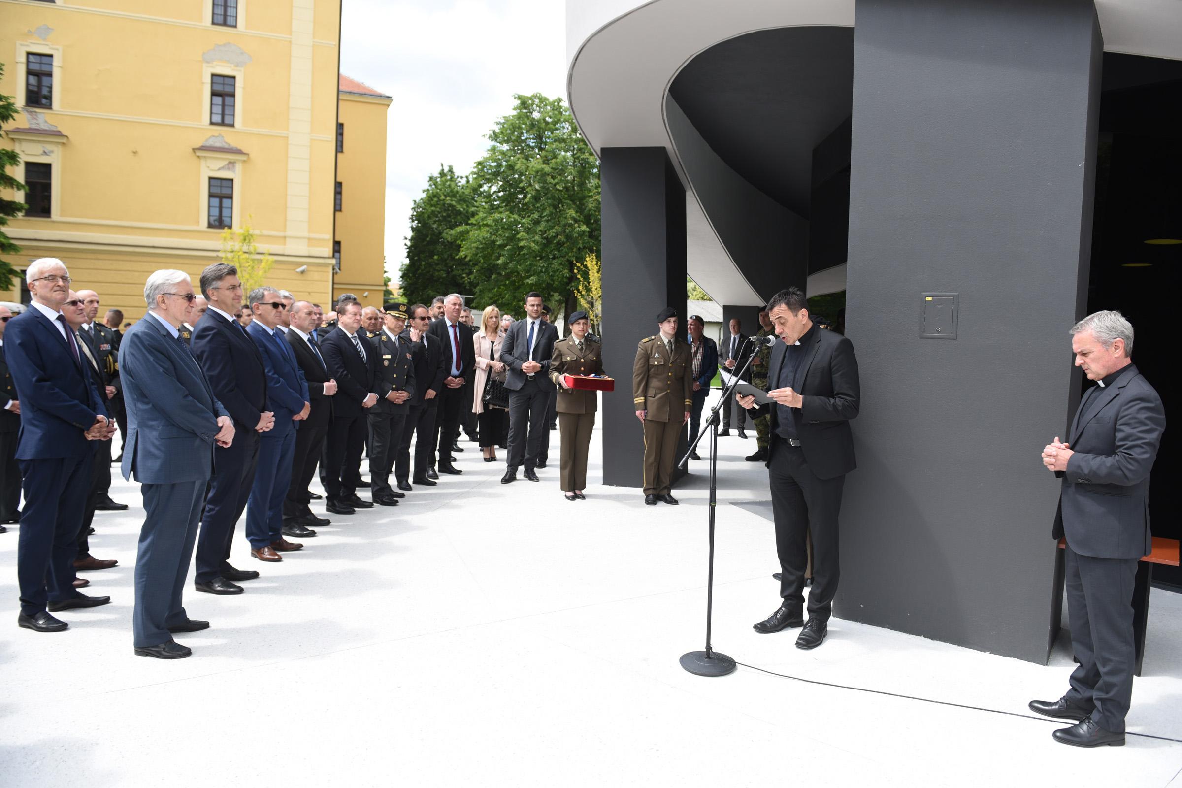 """Otvoren novoizgrađeni smještajni objekt """"Vukovar"""" na HVU"""