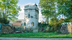 La tour Sainte-Marthe depuis l'extérieur de la ville médiévale