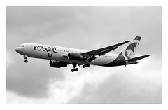 RV/ROU Air Canada Rouge B767 C-GHLA