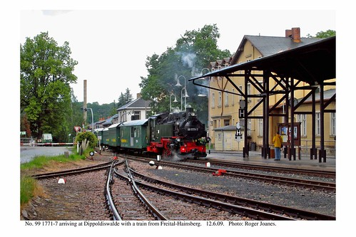Dippoldiswalde. Train arriving. 12.6.09