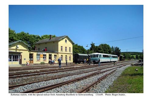 Schlettau station with railcar. 13.6.09