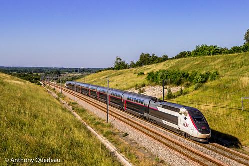 30 mai 2020 TGV D 4703 Train 5440 Bordeaux-St-Jean -> Strasbourg-Ville Cubzac-les-Ponts (33)