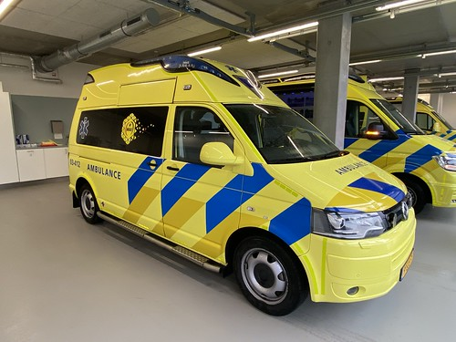 VW T5 (2013) Visser-AmbulanzMobile, 03-412, Zorgambulance MAI Tynaarlo (NL)