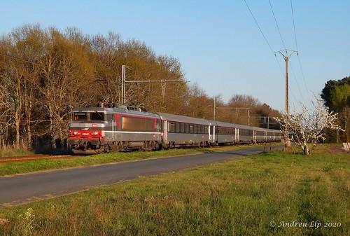 BB 22347 + Intercité à Toulenne | 30.03.19