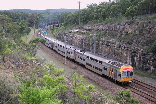 V SET  WORKING CENTRAL TO NEWCASTLE INTERCHANGE - FASSIFERN 9th Apr 2020
