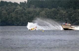1989 TWG Sports Waterski 02