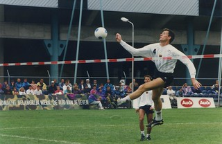 1993 TWG Sports Fistball 002