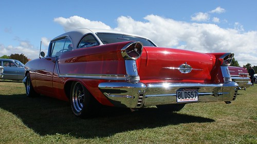 1957 Oldsmobile 88 Holiday (5)