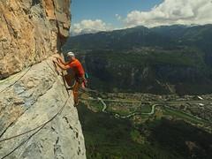 Cliff: Vuardes. Climb; Vertiges de l'Oublis (6c). Climber: Stuart Macdonald