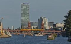 2018-08-10 DE Berlin-Friedrichshain-Kreuzberg & Berlin-Treptow-Köpenick, Spree, Oberbaumbrücke, Treptowers