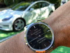 Garmin Vivo Luxe zeigt Tesla Ladestatus an