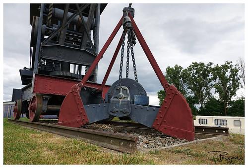 La grue du port de Briennon