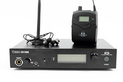 Wireless Receiver and Transmitter for in ear monitoring